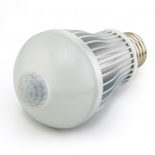 8 watts LED A19 E26 E27 base 700 Lumens Built-in PIR Sensor LED Motion Sensor Light Bulb