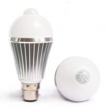 7W LED Security PIR Motion Sensor Light Bulb Warm Cool White B22 Bayonet